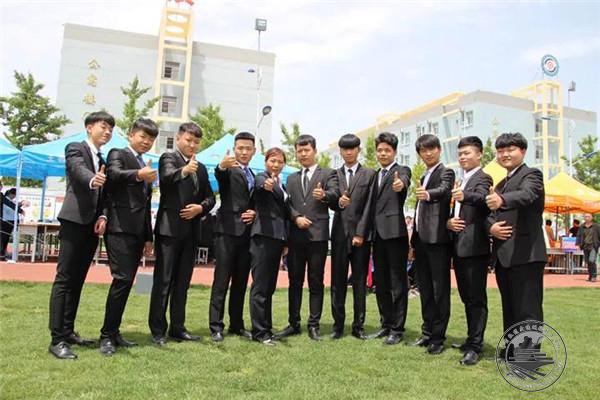 华山教育集团教学成果展在我校渭南校区(渭南轨道交通运输学校)隆重举行